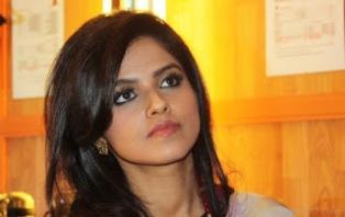 Biodata Seema Mishra Pemeran Deepali Sikander Bhatia