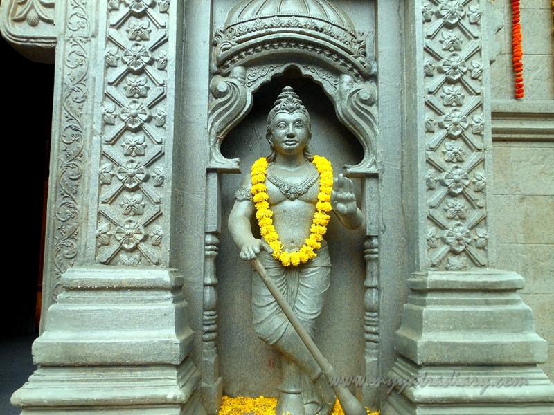 Gatekeeper at Uttarakhand Kedarnath temple theme, Ganesh Pandal Hopping Mumbai