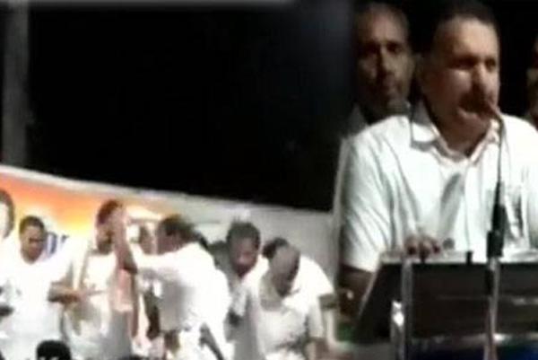 ഹാരാര്പണ സമയത്ത് യുഡിഎഫ് സ്ഥാനാര്ത്ഥിയുടെ പ്രചരണ വേദി തകര്ന്ന് വീണു; കെ മുരളീധരനും അണികളും രക്ഷപ്പെട്ടത് തലനാരിഴയ്ക്ക്