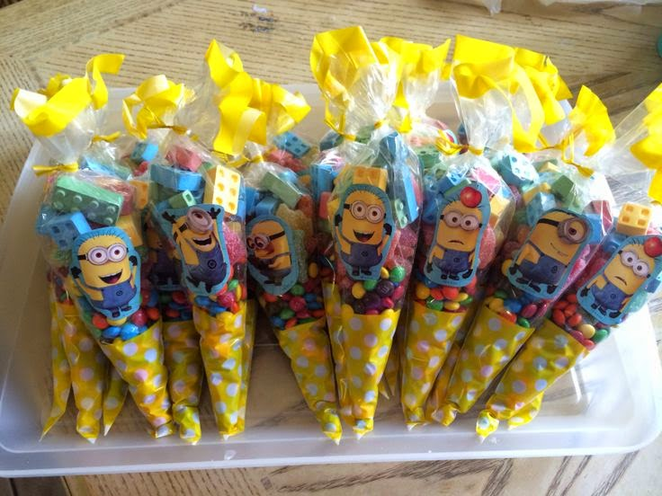 Goldilocks Birthday Cakes Minions