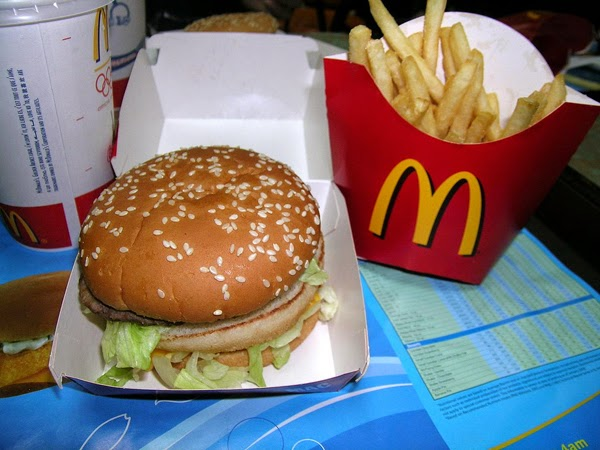 Here are 35 things you probably believe… but are total lies. Everything you thought is wrong - McDonald's burgers can and will rot under the right conditions