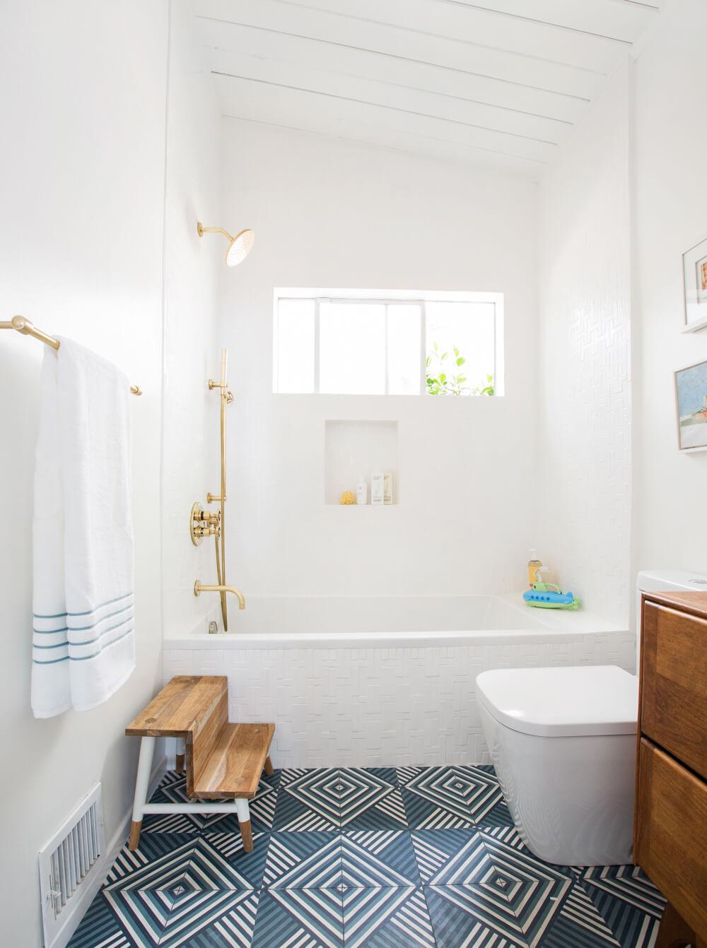 Le blog mademoiselle a fresh interior s designer home in la for Bathroom redesigns