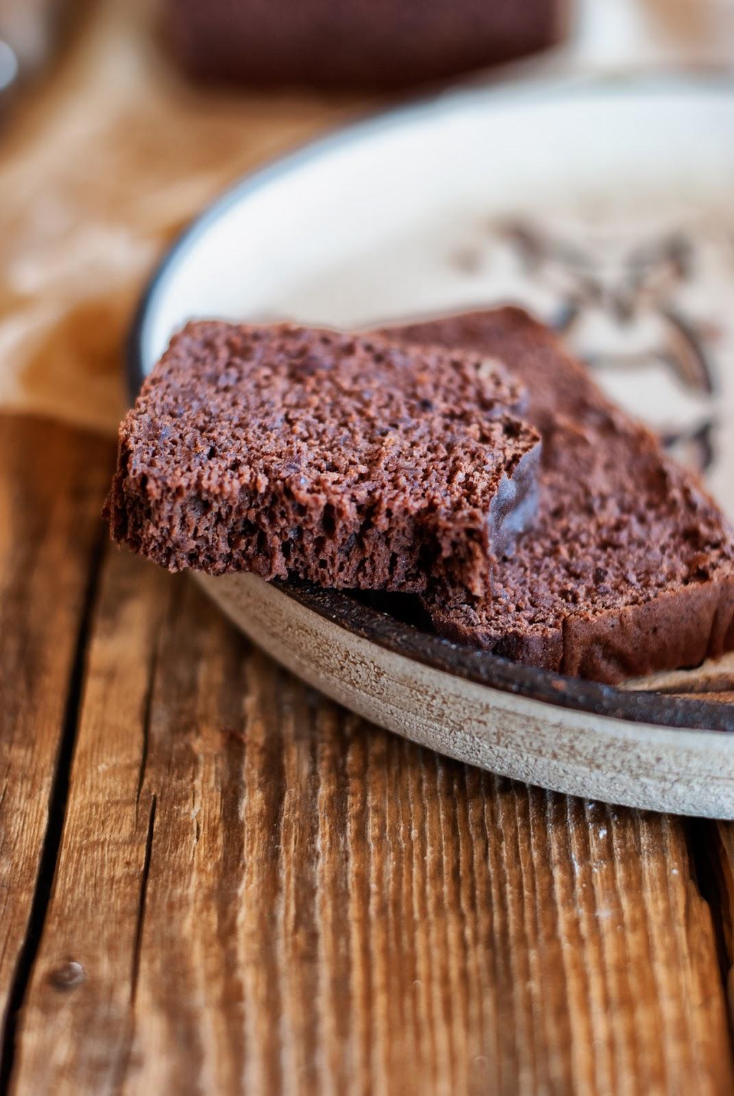 Czekoladowo-bananowe ciasto bez mąki
