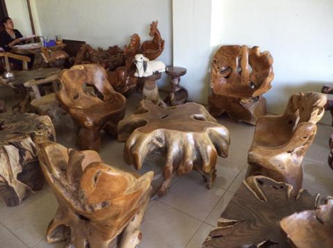kursi unik dan antik dari akar kayu jati