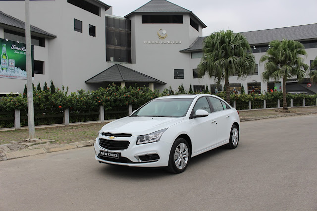 Bán xe Cruze 2017 mới giá tốt tại Chevrolet Thăng Long