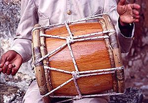 Tambora para tocar merengue de los 80