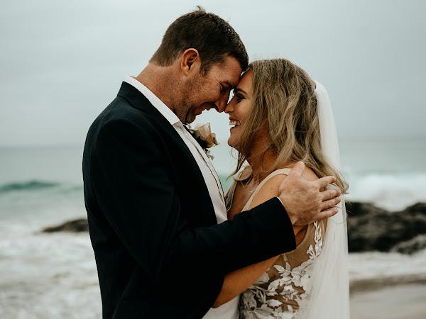 ➳ ANNIE + MATT | LUSH HAMPTON INSPIRED BEACHSIDE REAL WEDDING {GOLD COAST}