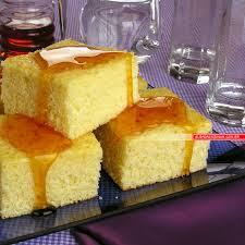 Pão-de-ló regado com mel
