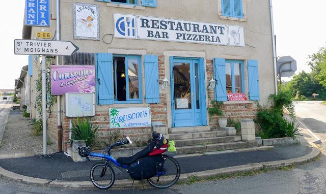 De Paris à Narbonne en vélo, Baneins