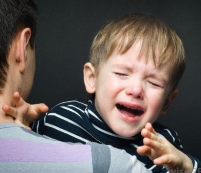 ¿Cuáles son los síntomas de la ansiedad de separación del niño?