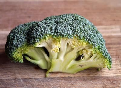 Manfaat Kesehatan, herbal, Manfaat Tanaman Herbal, brokoli, manfaat brokoli, sayuran brokoli, kandungan gizi brokoli,