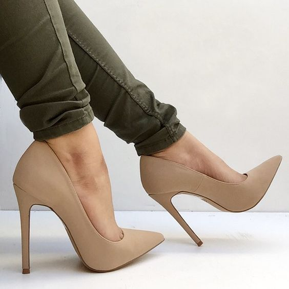 Nude-Pointed-heels-shoes