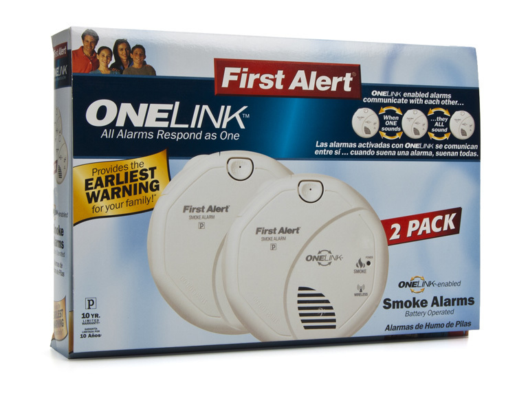 family first alert Mfg # : fg200b family gard smoke detector includes 9v battery family guard is a branch of first alert audible low battery indicator first alert battery exclusion feature - cover will not close if battery is not properly installed | ebay.