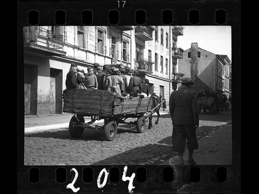 These 32 Pictures Had Been Buried For Years. The Reason Is Heart-Breaking - 1942: Children Being Transported To Chelmno Nad Nerem (Renamed Kulmhof) Death Camp