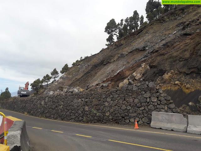 El Cabildo facilita el tránsito de vehículos hacia la costa de Fuencaliente por la carretera de Las Indias