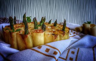 pasta al forno con formaggi e asparagi