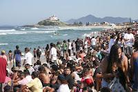 16 Saquarema Crowd oi rio pro foto WSL Daniel Smorigo