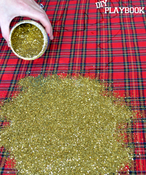 Pouring gold glitter