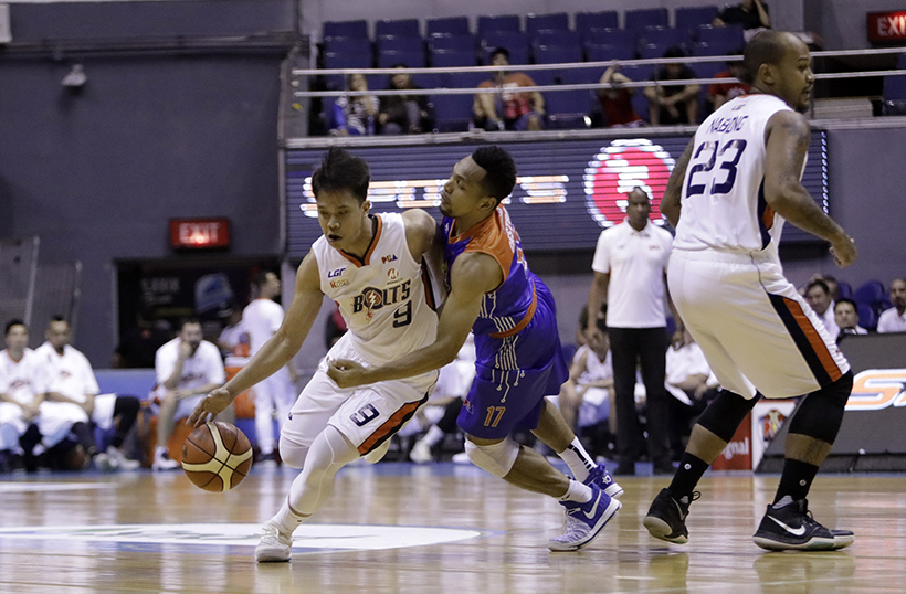 Baser Amer's career high of 32 leveled the series 1-1