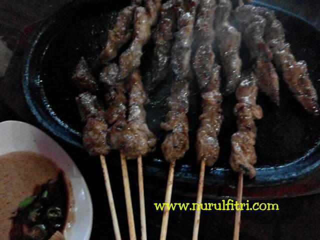 http://www.nurulfitri.com/2016/08/makan-daging-merah-yang-menyehatkan.html