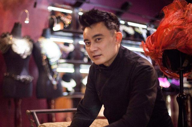 7 Desainer aksesori Indonesia yang karyanya mendunia  abb8ab5443