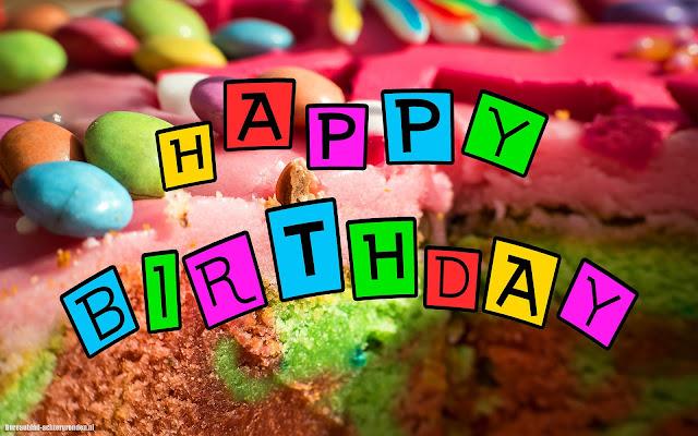 Verjaardagstaart met tekst happy birthday