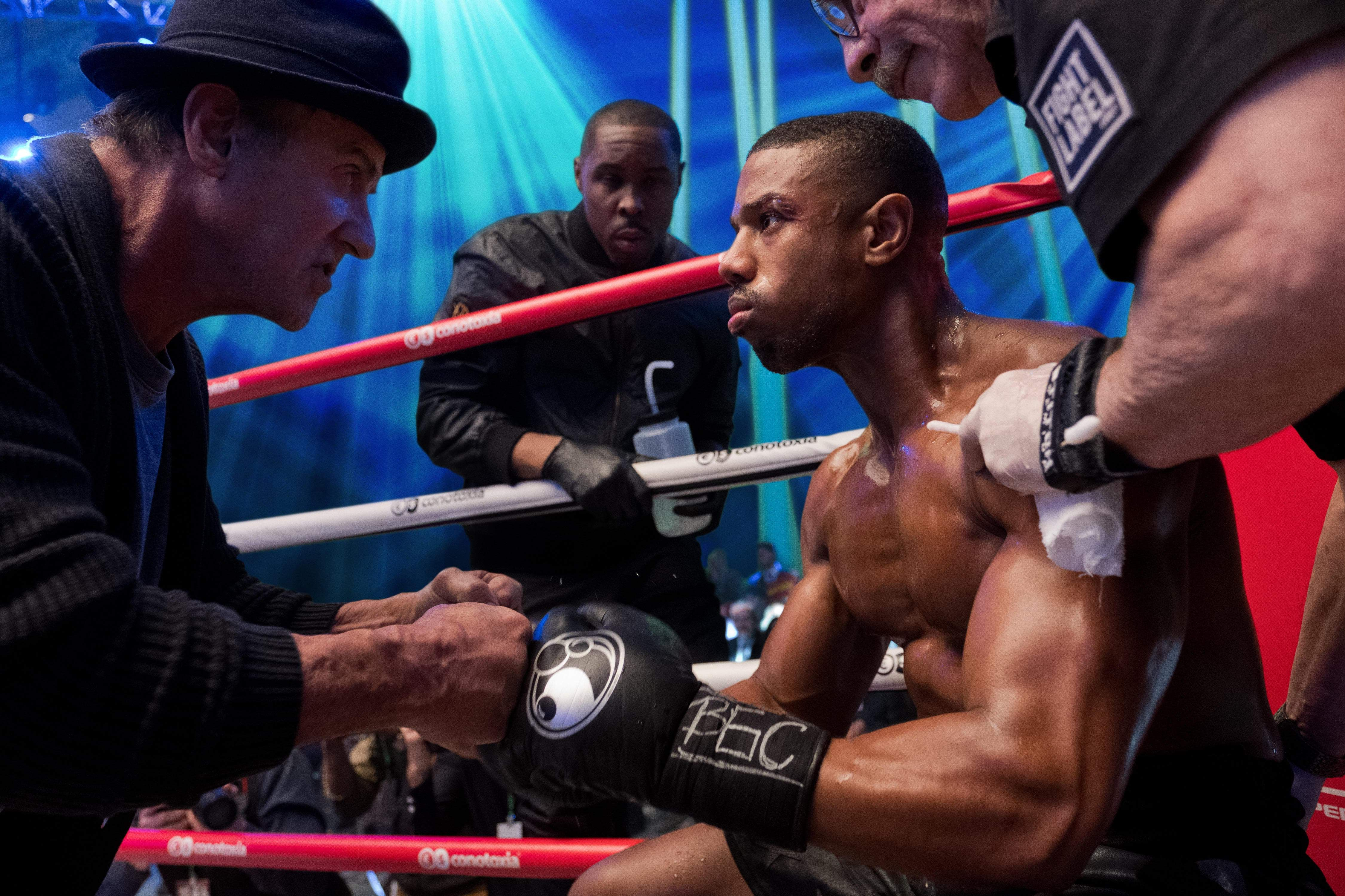 Box Office : 11月23日~25日の全米映画ボックスオフィスTOP5の第2位 - スタローン隊長が王座を奪取 ! !、炎の友情の再戦を描いた熱い家族ドラマの感動作「クリードⅡ」が、「ロッキー」史上最高の封切りヒットを叩き出したノックアウトに加え、実写映画としては感謝祭興行史上第1位の最高の成績を更新した記録破りの初登場第2位 ! !