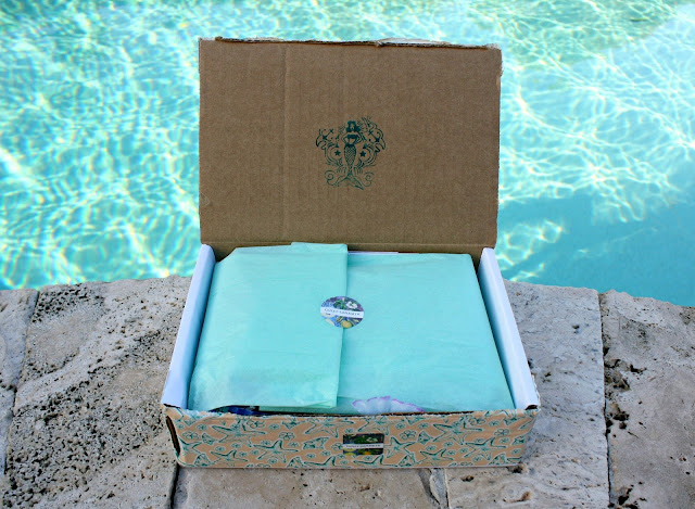 Comet Comforts Mermaid Beauty Box Review & Giveaway open box