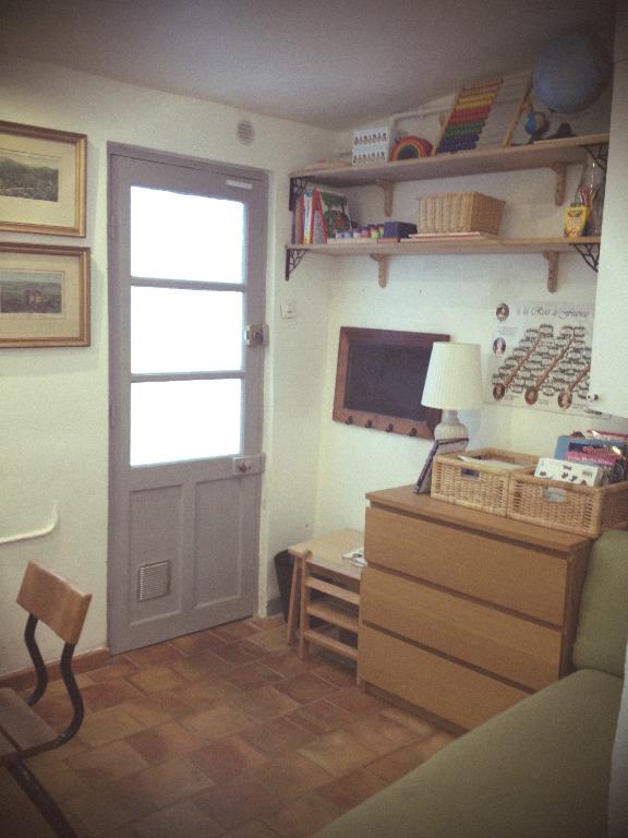 petits homeschoolers notre petite cole la maison homeschool room. Black Bedroom Furniture Sets. Home Design Ideas