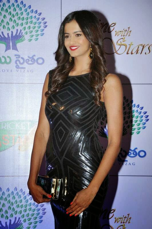 Subra Aiyappa Photo Gallery, Shubra Aiyappa hot Pics in Black Tight Dress - Indian Kim Kardashian