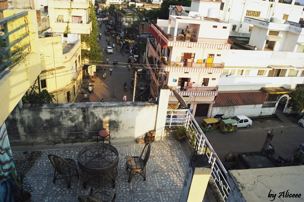 Blox-Hostel-Varanasi-Terasa