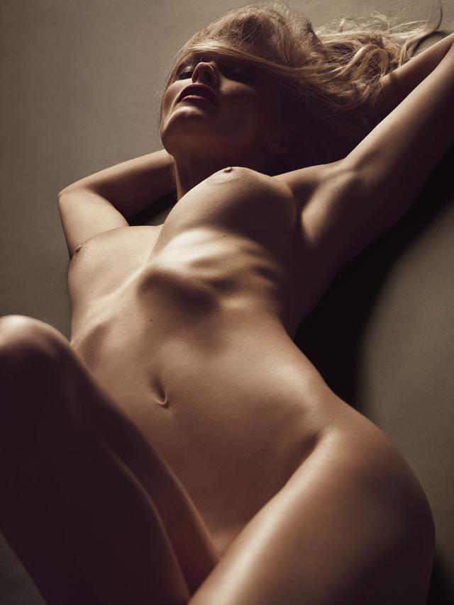 Edita Vilkeviciute desnuda