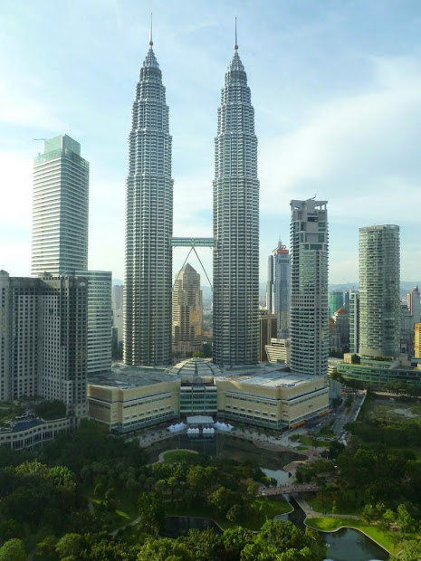 World Wondering 4. Petronas Towers