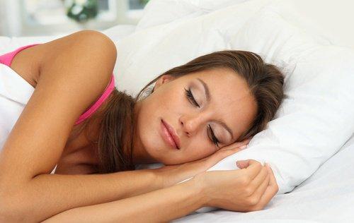 Dormir dans une bonne posture: Gardez toujours votre tête plus élevé que le corps