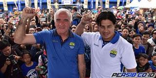 Mario Gomez Tidak Menentukan Target di Persib Bandung