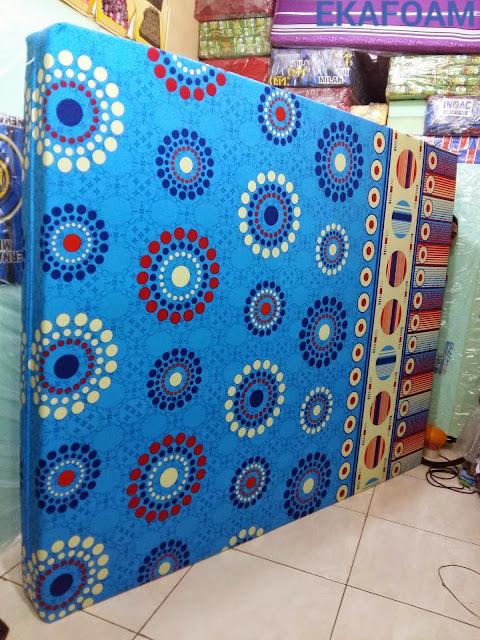kasur inoac terbaru 2016 motif minimalis biru roda