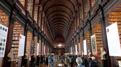 http://www.illibraio.it/biblioteche-scolastiche-bando-373143/