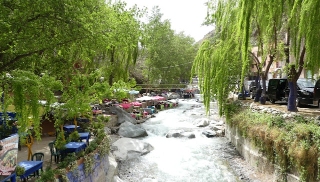 Setti-Fatma - Restaurants am Fluss