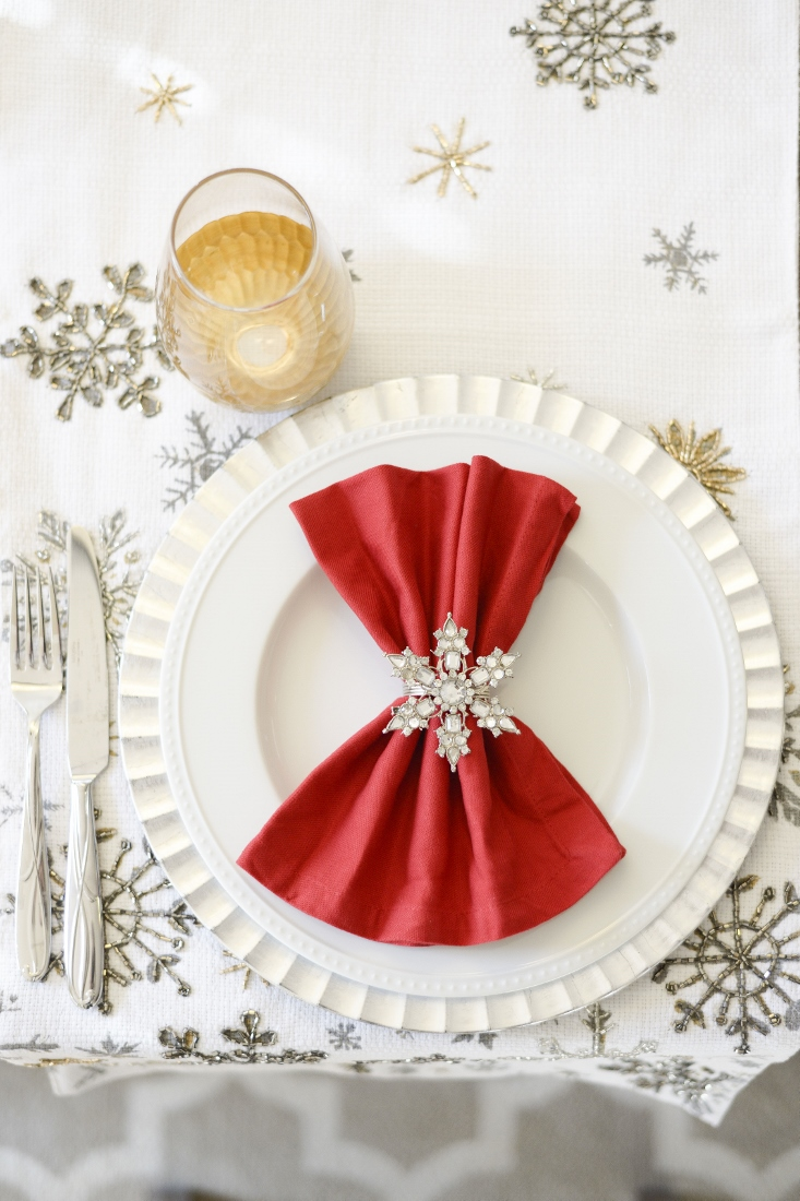 Holiday Party tablescape place setting ideas