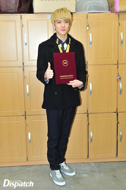 ảnh tốt nghiệp của  sehun 1