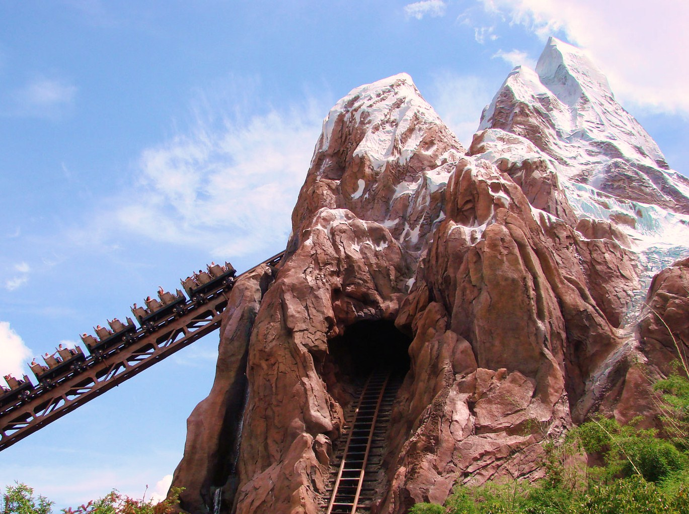 Expedition Everest ~ The Dias Family Adventures