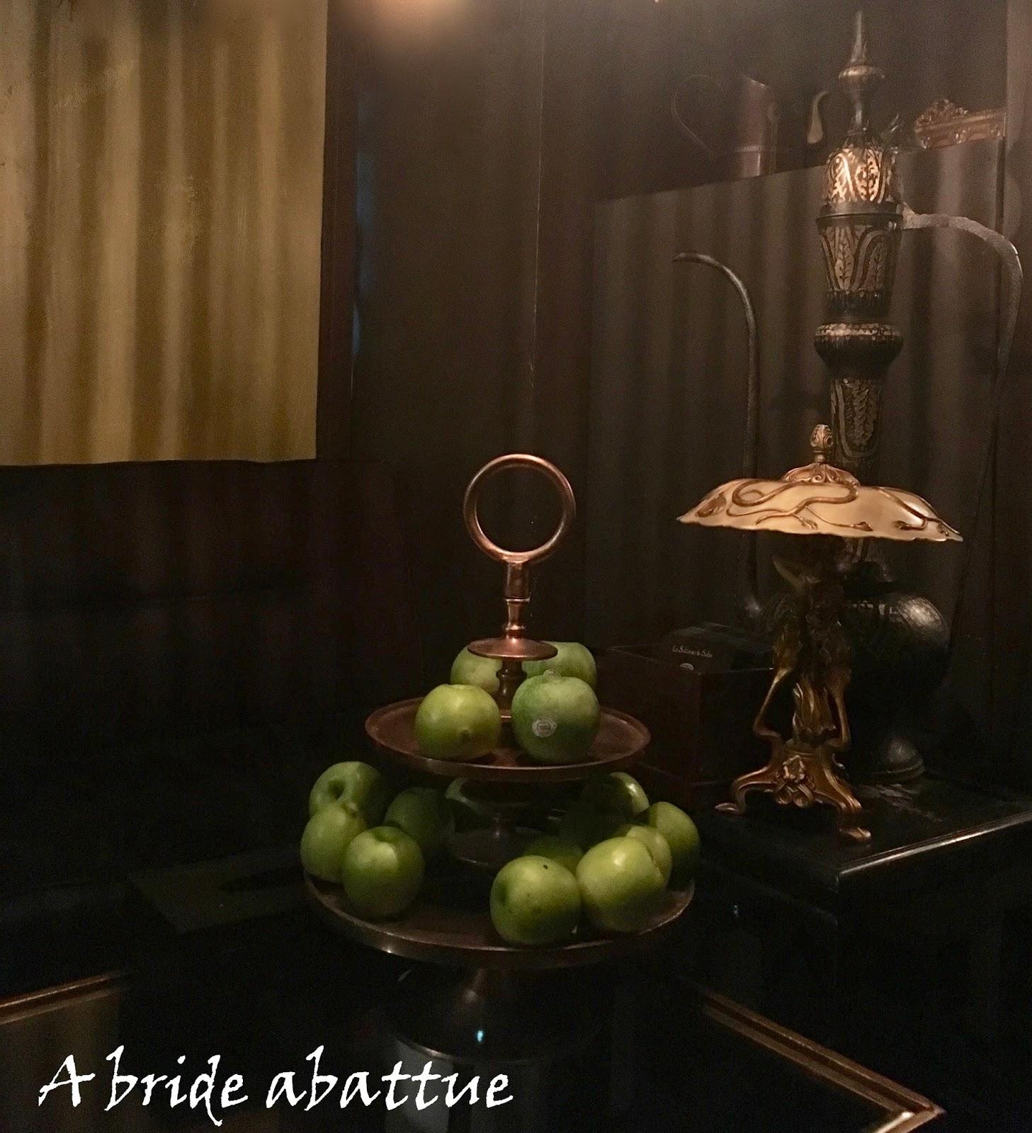 a bride abattue un hammam gommage chez la sultane de saba. Black Bedroom Furniture Sets. Home Design Ideas