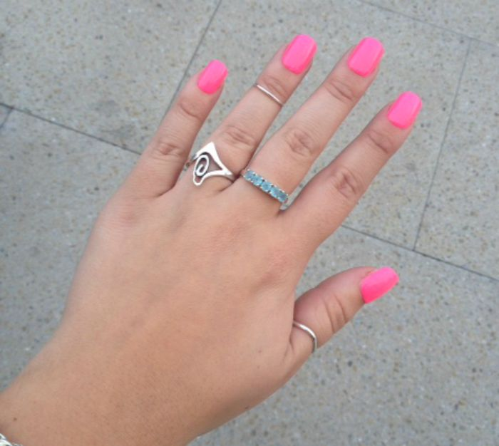 Elegant-Touch-Pink-Express-Nails