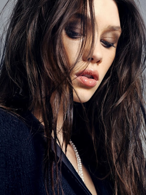 French actress Astrid berges frisbey sexy hd images