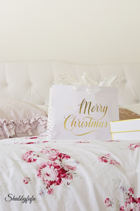 shabby chic bed christmas