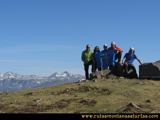 Ruta Linares, La Loral, Buey Muerto, Cuevallagar: Cima de la Loral