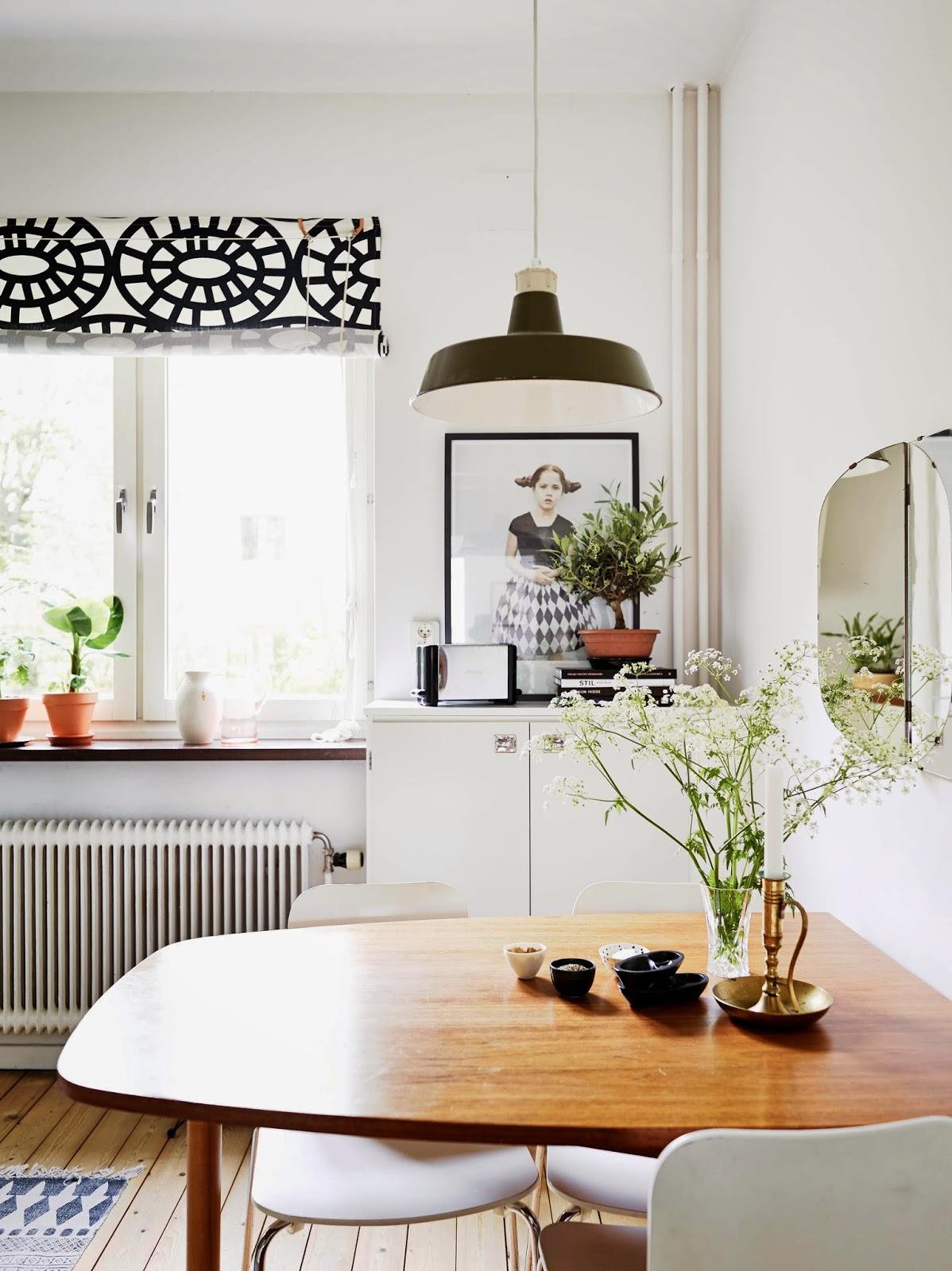 my scandinavian home a gothenburg apartment with a mid century touch. Black Bedroom Furniture Sets. Home Design Ideas