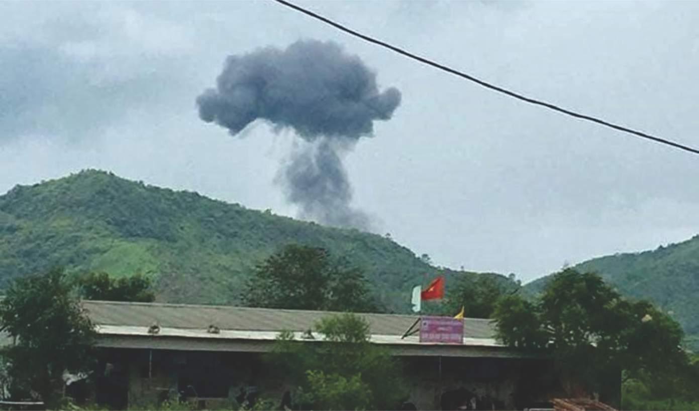 Pesawat tempur SU-22UM3 Angkatan Udara Vietnam jatuh