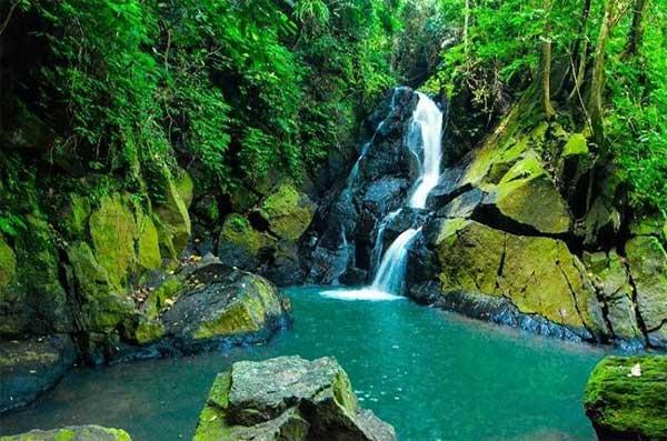 Air Terjun Pria Laot