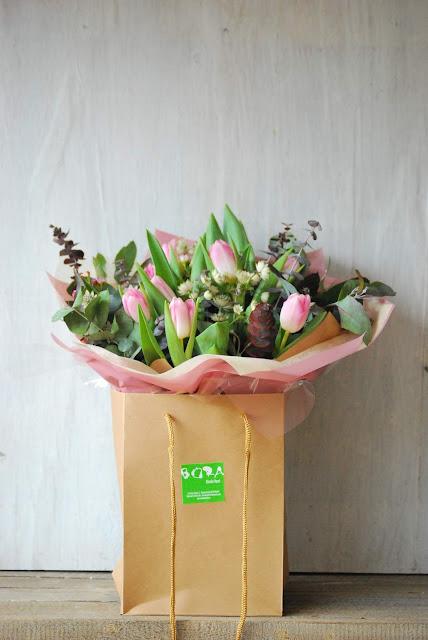ramos de flores tulipanes